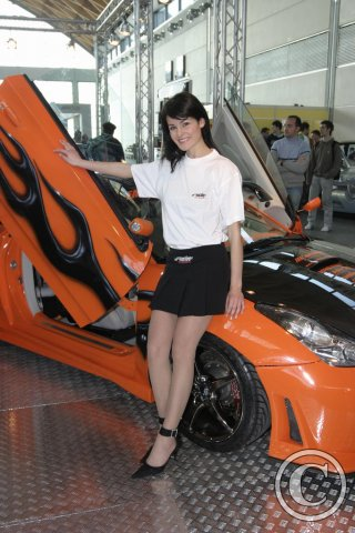 car-girl-orange-toyota-115