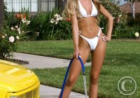 bikini-girl-car-wash